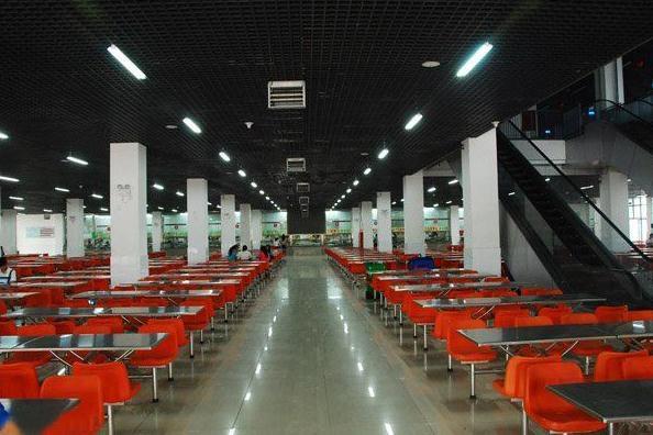 郑州中原轨道学校学生餐厅